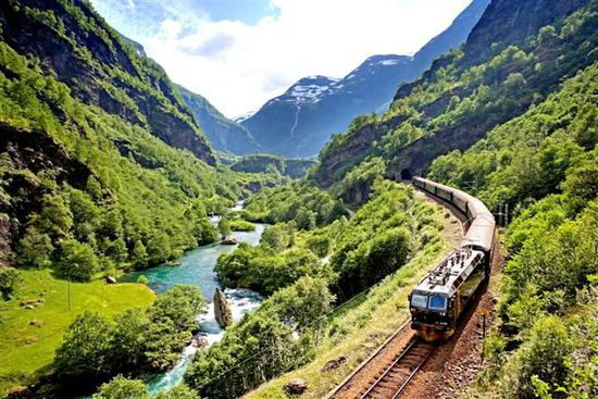 坐上火车去旅行 世界上最美的10条铁路