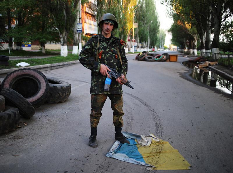 Ополченцами продолжаются в славянске