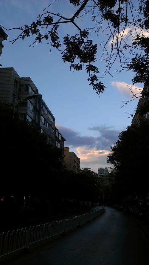 每天都有蔚蓝的天空等着你