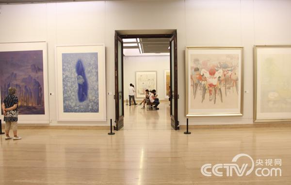 """""""精致立场·全国第二届现代工笔画大展""""展览现场。韩丹 摄"""