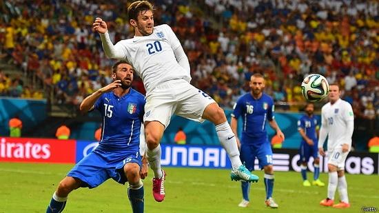 بالوتيلي يقود إيطاليا للفوز على إنجلترا