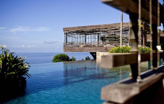 顶级奢华:巴厘岛爱丽拉乌鲁瓦图别墅酒店