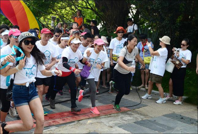 桂林訾洲岛举行大型趣跑活动 重推国际旅游胜地