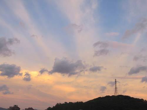 夕阳与云彩齐飞
