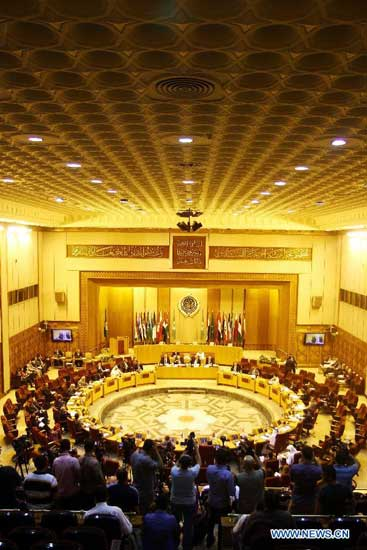 Rpresentatives attend the an Arab League emergency meeting in Cairo, capital of Egypt, Aug. 11, 2014. Arab emergency representatives discussed the ongoing Palestine-Israel conflict at an emergency meeting. (Xinhua/Ahmed Gomaa)