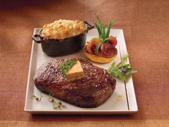 海鲜牛排套餐:十大著名海上邮轮牛排餐厅