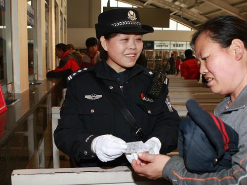 王聪颖在工作。资料照片