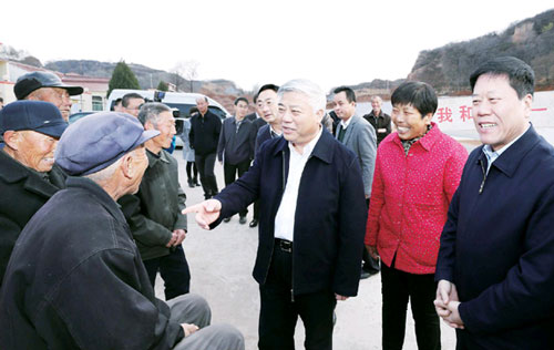 山西省委常委、组织部长 盛茂林(中)