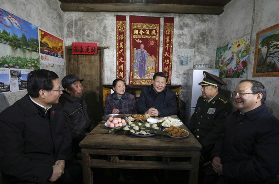 2016年2月2日,习近平来到江西看望慰问广大干部群众,向全国各族人民致以新春祝福。