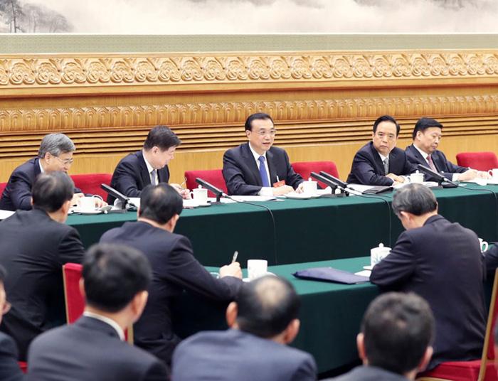 3月6日,中共中央政治局常委、国务院总理李克强参加十二届全国人大五次会议山东代表团的审议。