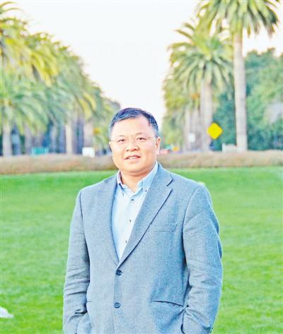 黄大年在美国斯坦福大学参加学术交流会时的照片(2011年12月5日摄)。