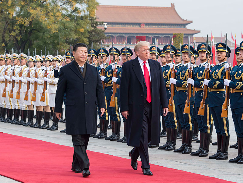 11月9日,国家主席习近平在北京人民大会堂东门外广场举行欢迎仪式,欢迎美利坚合众国总统唐纳德·特朗普对中国进行国事访问。