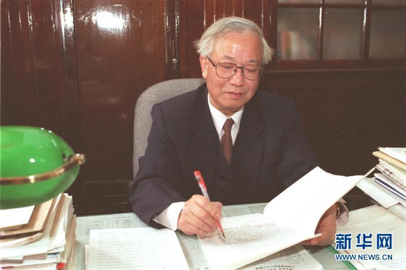 这是胡福明(资料照片)。 新华社记者 方爱玲 摄