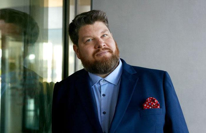 歌剧演员Sune Hjerrild,他创立了Truelinked在线平台