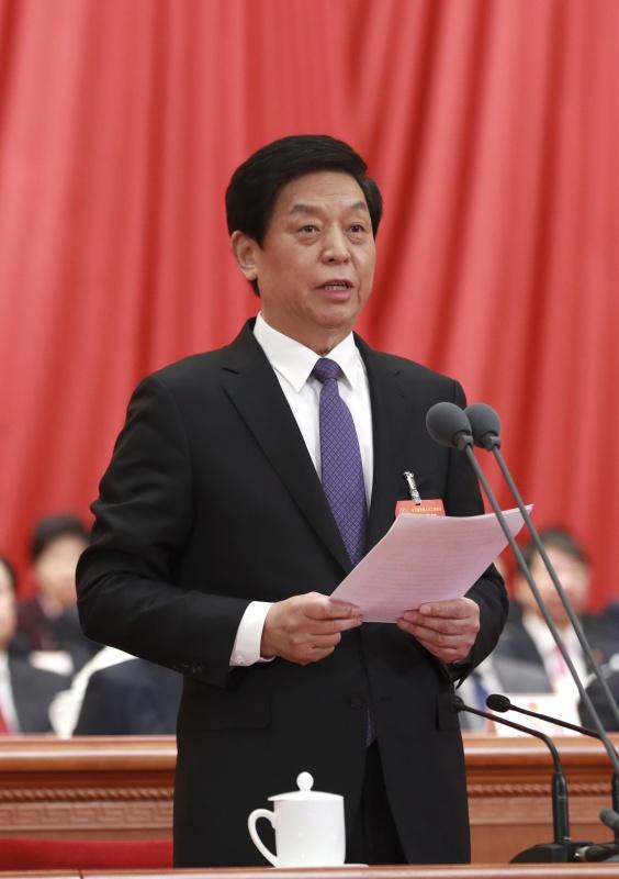 3月15日,第十三届全国人民代表大会第二次会议在北京人民大会堂举行闭幕会。大会主席团常务主席、执行主席栗战书主持并讲话。