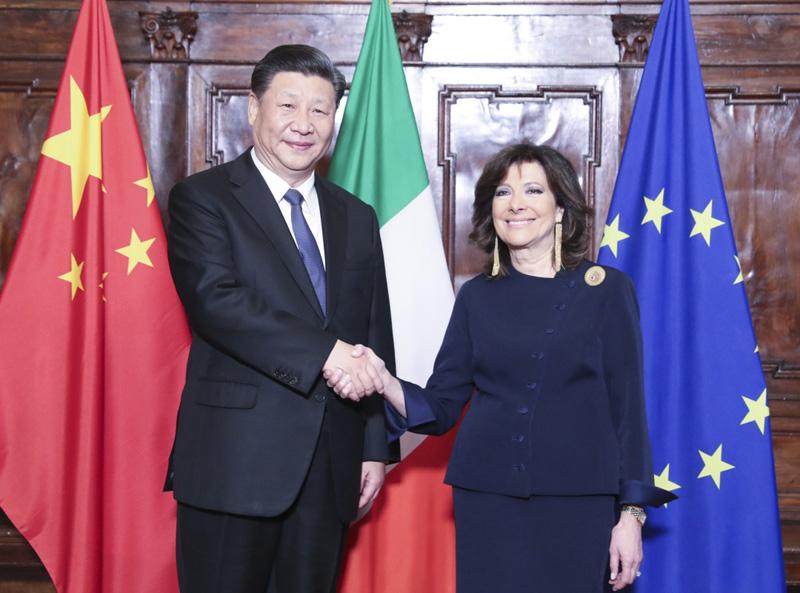 3月22日,国家主席习近平在罗马会见意大利参议长卡塞拉蒂。