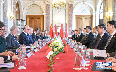 3月24日,国家主席习近平同摩纳哥亲王阿尔贝二世举行会谈。 新华社记者 谢环驰 摄