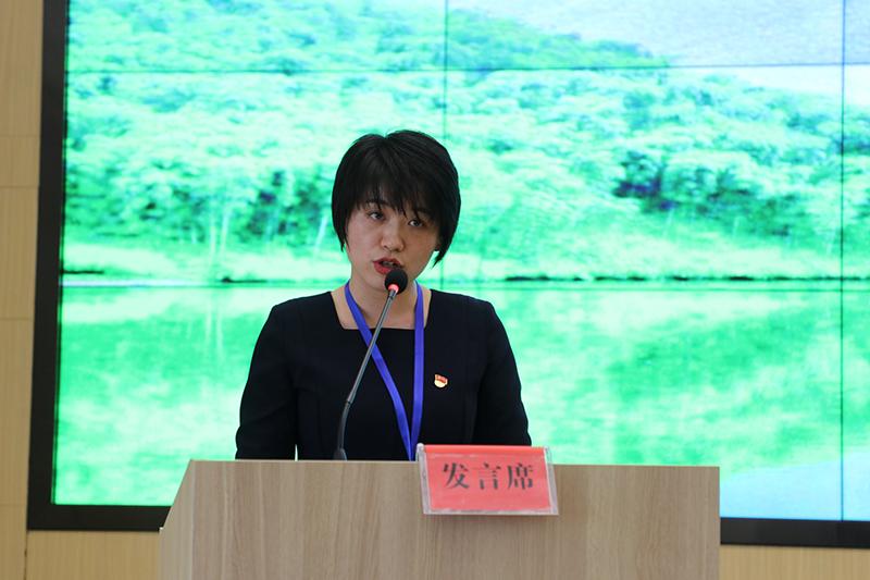 付兴慧代表第八组学员发言
