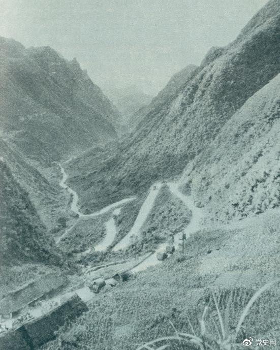 1935年2月18日至21日,红军夺取桐梓、占领娄山关、再克遵义城,取得了歼灭和击溃国民党军2个师又8个团的大胜利。图为黔北要隘娄山关。