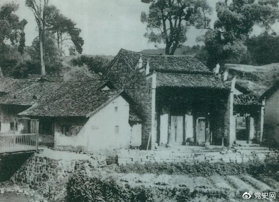 1928年5月20日,毛泽东主持召开中共湘赣边界第一次代表大会。图为会址——茅坪谢氏慎公祠。