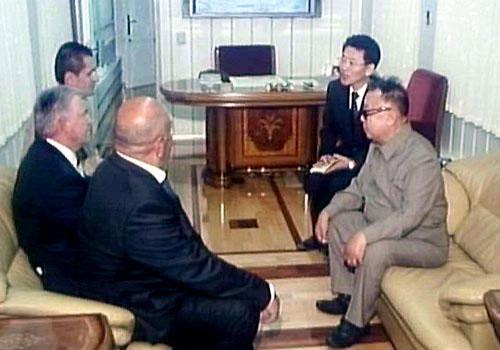 dprk documentary unveils kim jong il s train cctv news cntv english. Black Bedroom Furniture Sets. Home Design Ideas