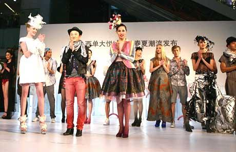 While it is still the spring of 2010, pioneering designers of the China Fashion Alliance have already set their sights on the styles for 2011.