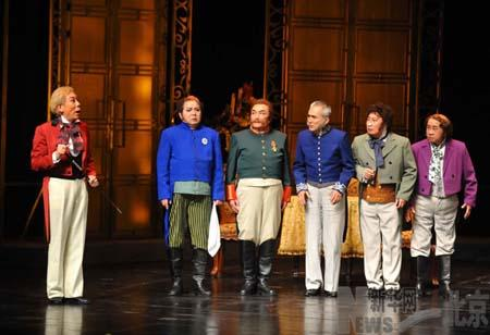 "Jiao Huang led a cast of veteran stage players in a thrilling performance, Nikolai Gogol's classic play ""The Inspector General""."