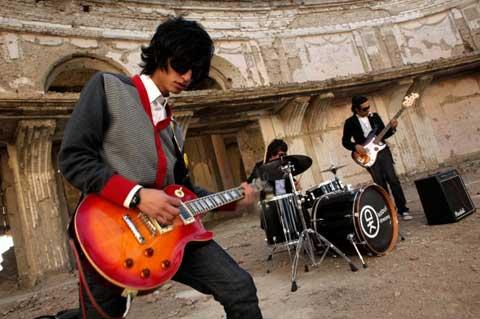 "Afghanistan's first Indie rock band ""Kabul Dreams"""