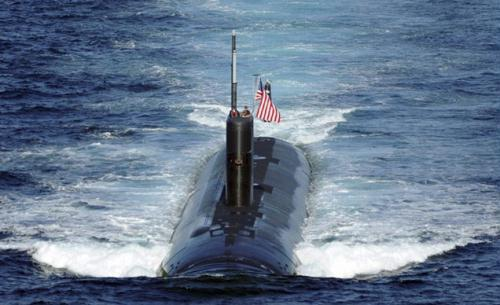 The Los Angeles-class attack submarine USS Tucson (SSN 770) is underway during the U.S.-South Korea joint naval and air exercise in waters off the east coast of the Korean peninsula, July 26, 2010.(Xinhua/Reuters Photo)