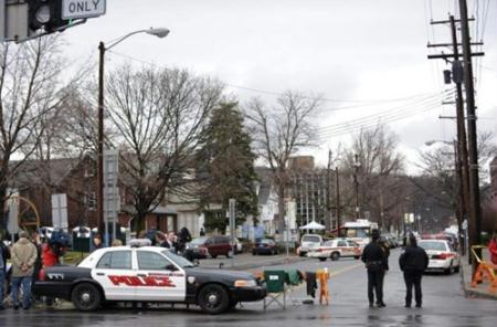 Four people have been shot dead and four others wounded in a restaurant shooting in the US New York State.