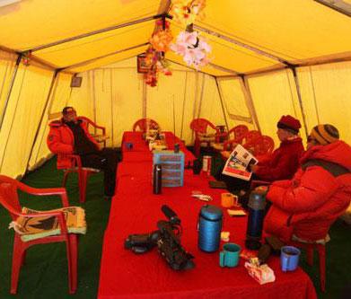 暖色的帐篷