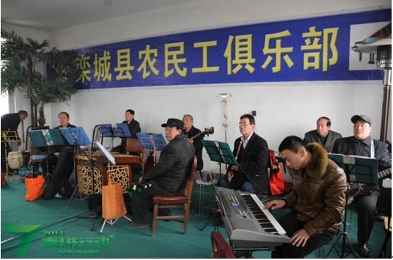农民工俱乐部--融入城市的桥梁_三农_中国网络