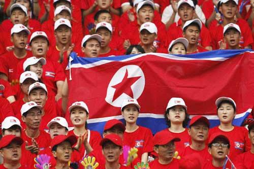 朝鲜球迷现场助威