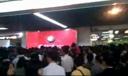 现场直击:广州亚运免费乘车首日地铁爆挤