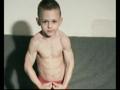 妈呀!才4岁,这肌肉太恐怖了