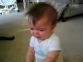 哭笑自如的宝宝 老爸老妈无语了