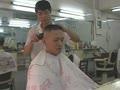 超Man剃光头23_在线视频观看_视频 大兵头 光头 传统理发店 头发发型 亚洲中国人 男人剃头