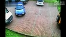 史上最笨女司机 离奇被困停车场