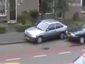 美女司机停车变撞车碉堡了