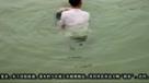 【拍客】长江荆州段7勇士接力救落水少年