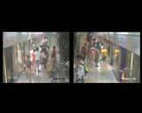 【独家视频】老外晕倒无人扶 乘客四散奔逃蜂拥而出