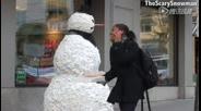 雪人吓尿圣诞老人!雪人的头滚掉啦!
