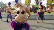 长春街头夏威夷飚水节舞底线