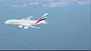 喷气飞人与大飞机比翼齐飞