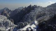 航拍雪韵黄山仙境