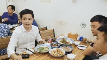 杭州最地道杭帮菜,《舌尖上的中国》总顾问都排队来吃,顾客吃了一份打包九份
