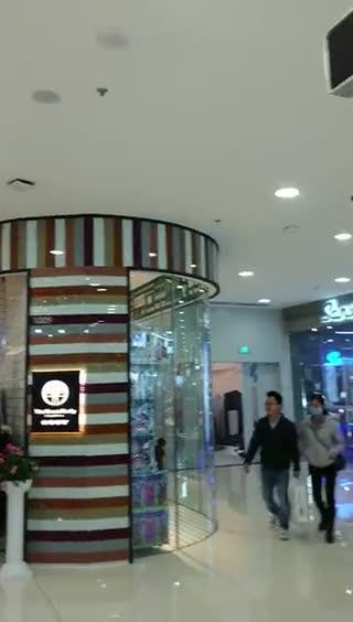尹华  大亚湾的万达中厅空间效果