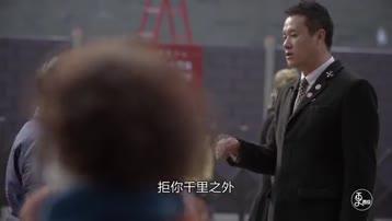 他八年如一日地守护西安城墙,还能做人肉电梯,金钥匙服务无微不至