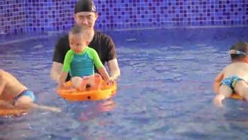宝宝新玩法get~冲浪板还能这样玩