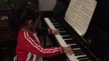 沈姚铫星星火炬钢琴